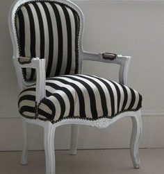 "Black and White Striped Armchair ""Hermione"""